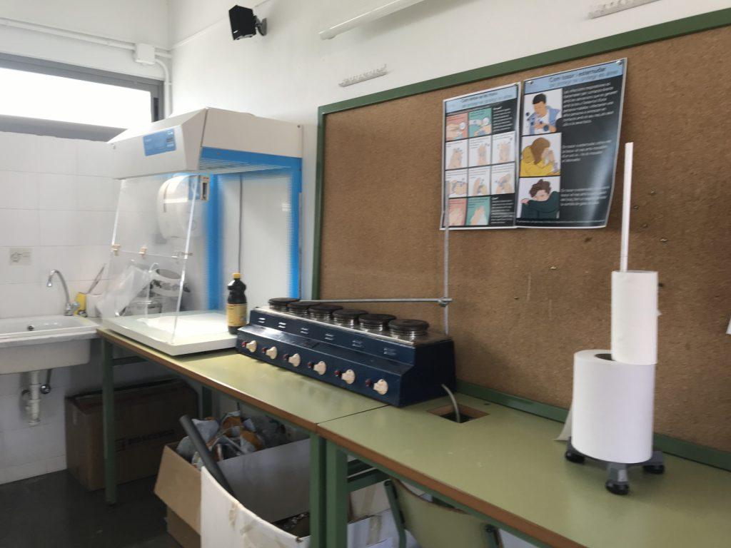 Laboratori (1)